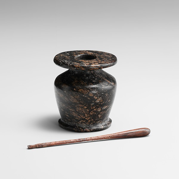 Met kohl pot and stick
