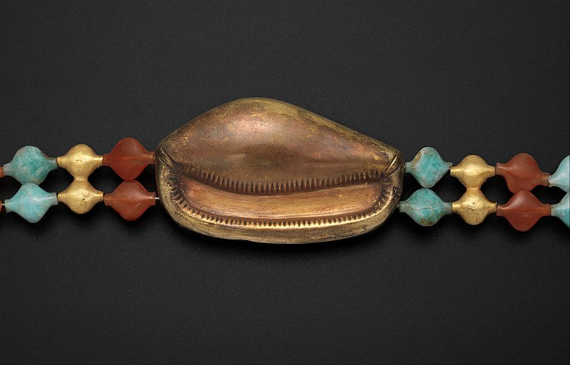 800px-Cowrie_Shell_Girdle_of_Sithathoryunet_MET_DP348611